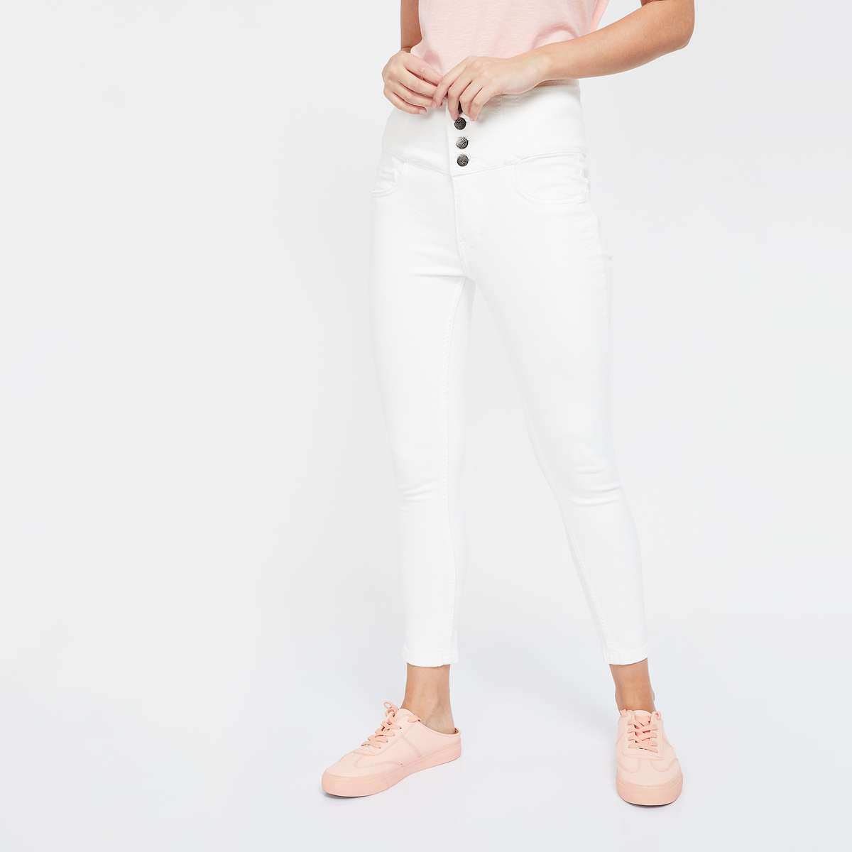 GINGER Mid-Washed High-Rise Cropped Jeans