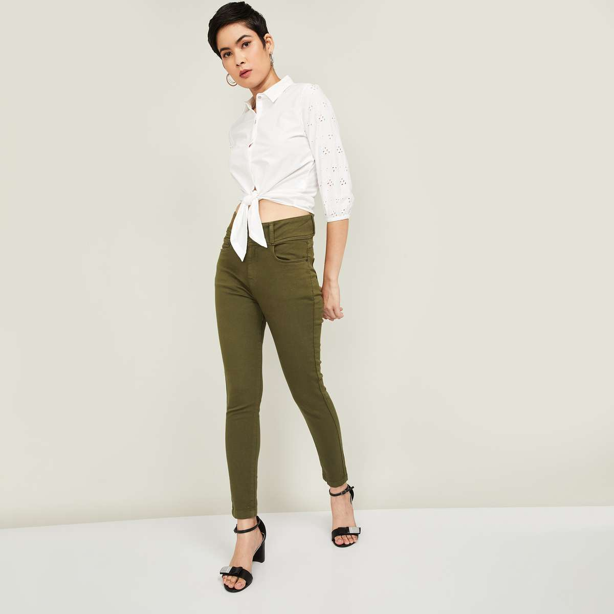 1.FAME FOREVER Women Solid Skinny Fit Jeans