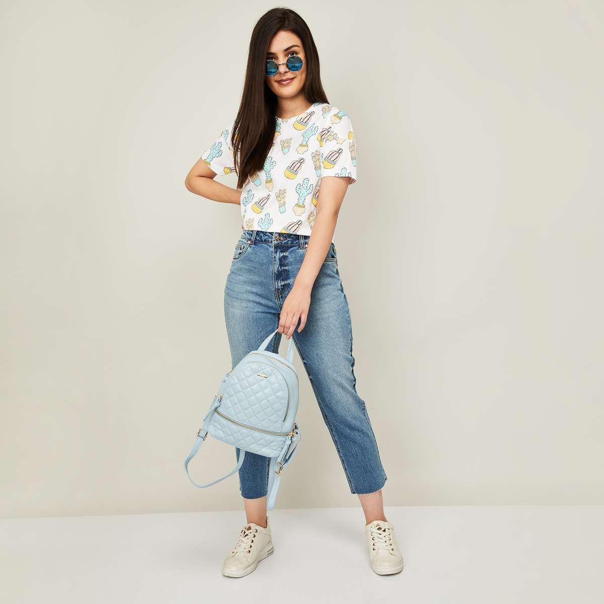 3.ONLY Women Stonewashed Straight Fit Cropped Jeans