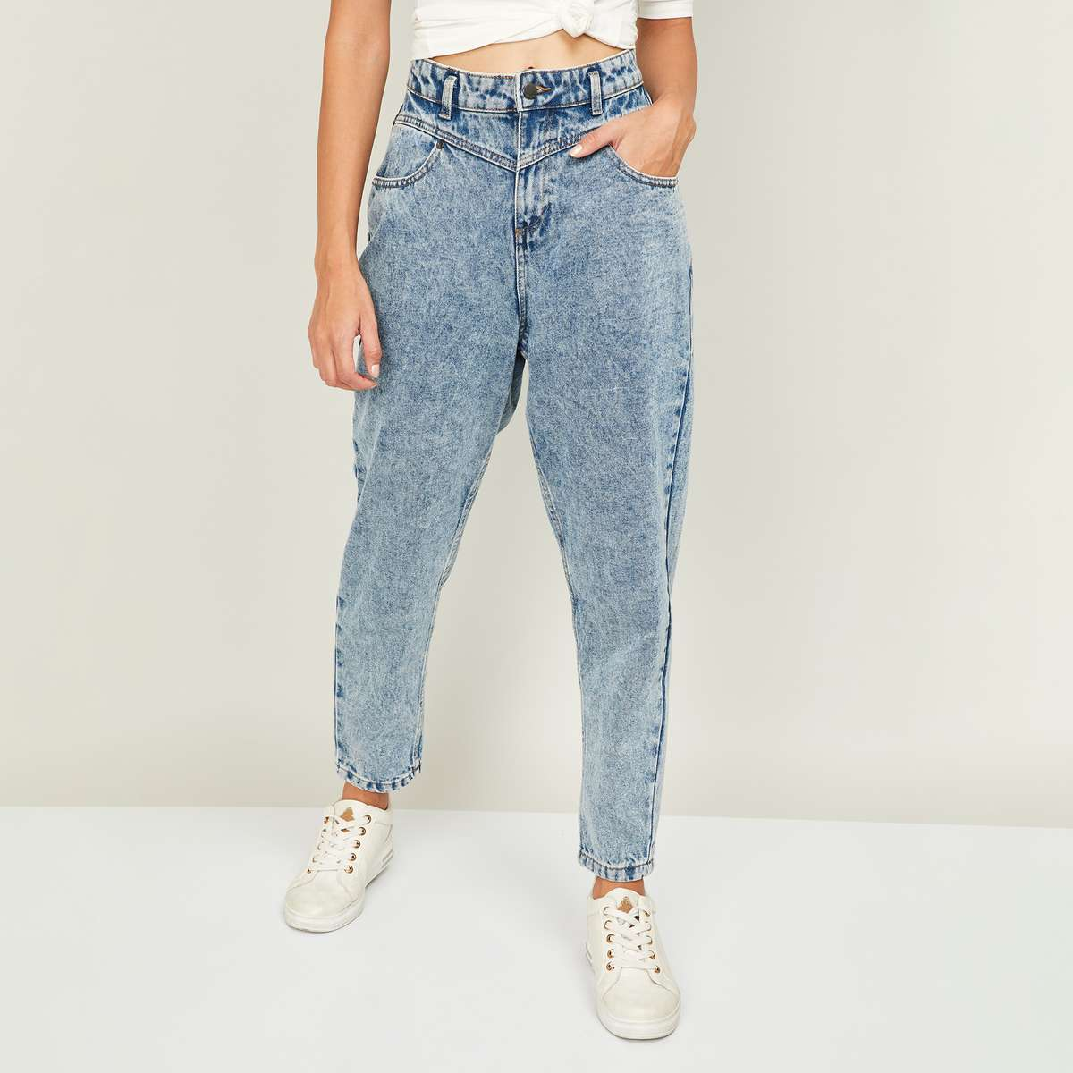 1.GINGER Women Stonewashed Relaxed Fit Jeans