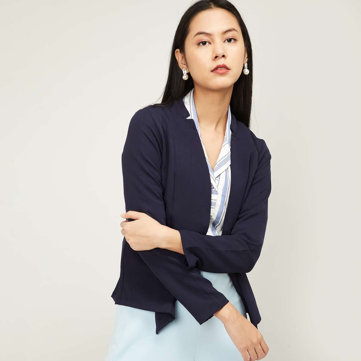1.AND Women Solid Open-Front Jacket