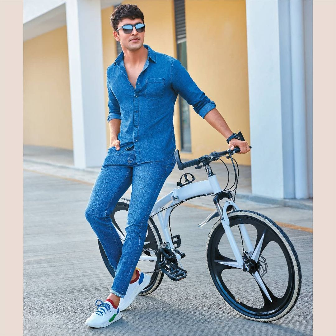 2.Solid Regular Fit Denim Shirt with Stonewashed Skinny Fit Jeans from DENIMIZE FROM Fame Forever by Lifestyle