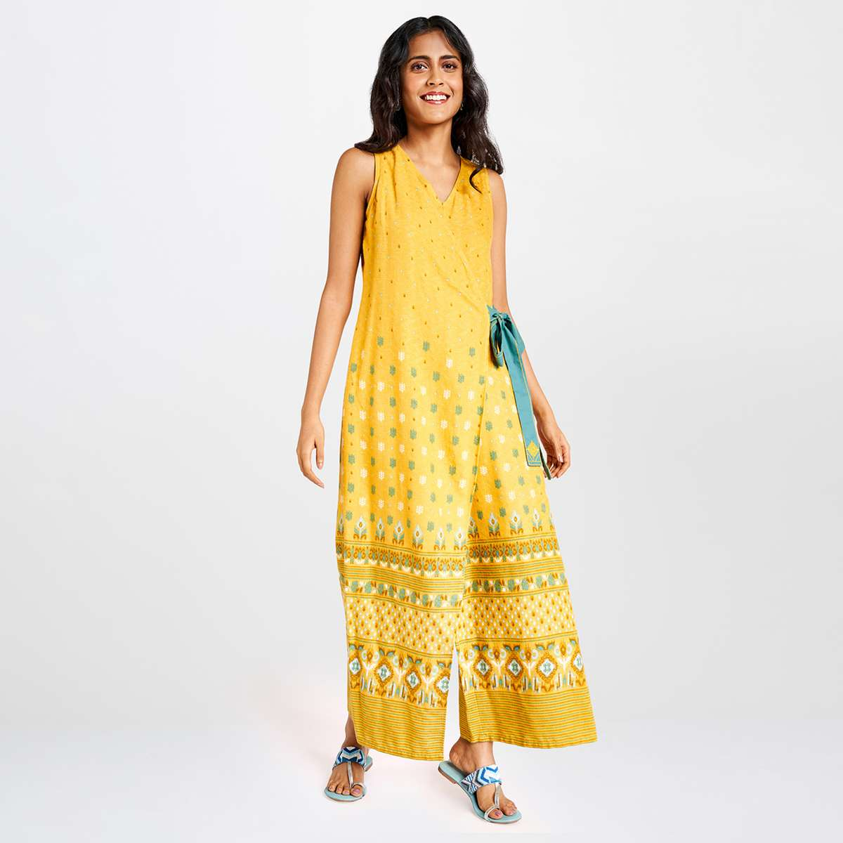 2.GLOBAL DESI Women Textured Cropped Jumpsuit with Surplice Neck