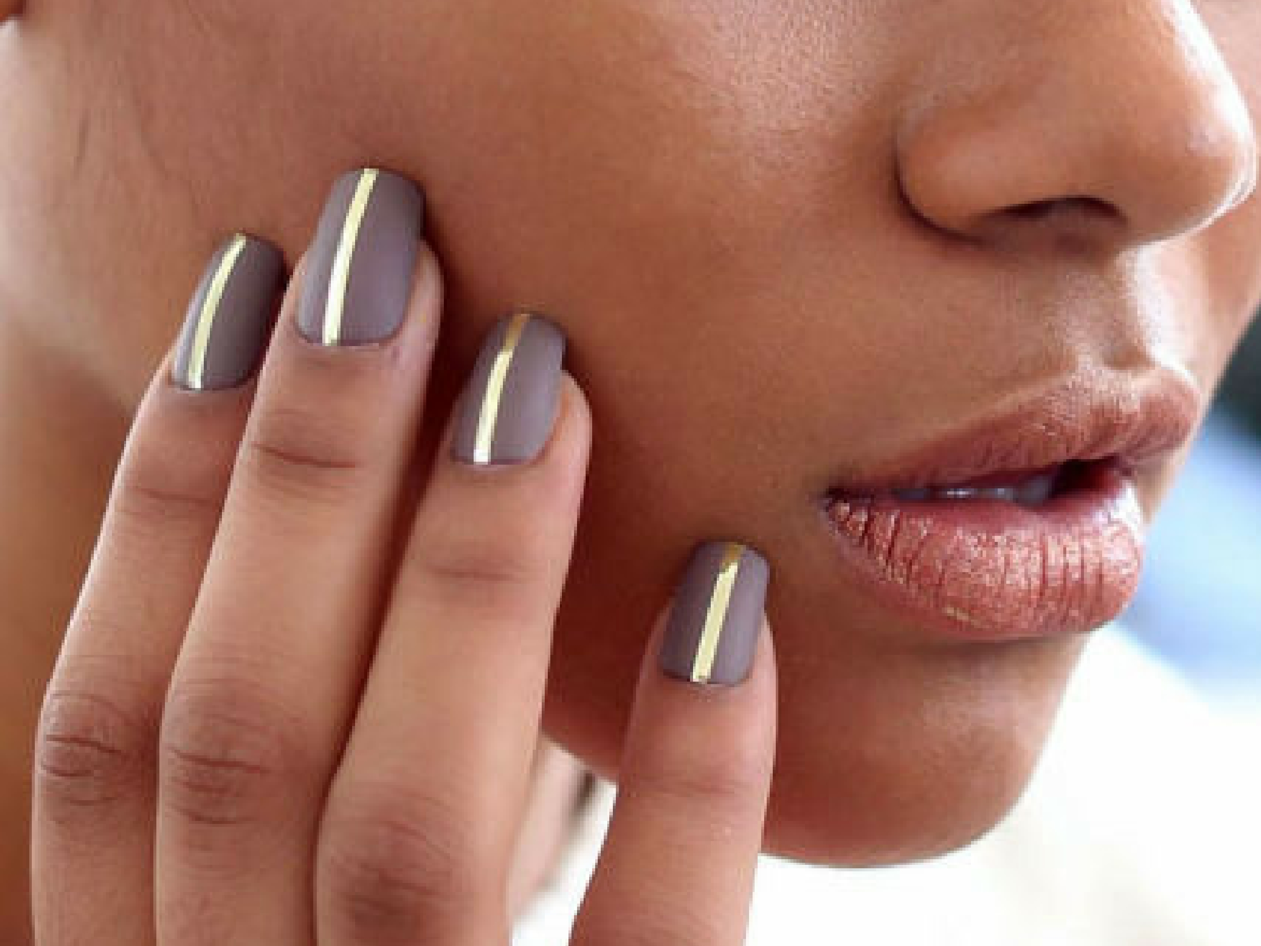 Graphic nail art trend AW 16
