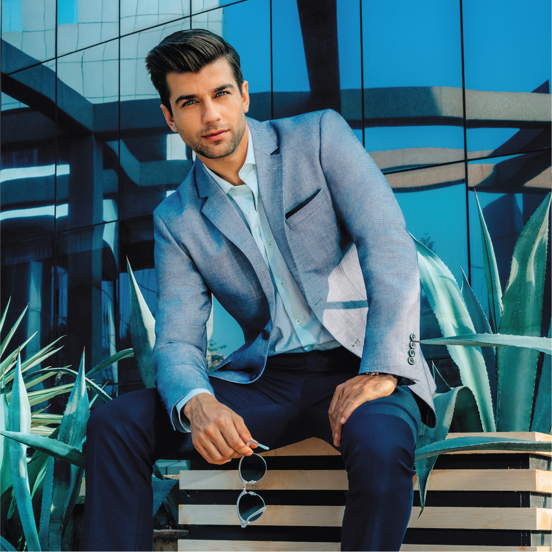 c2bf2b701e How To Dress For Work According To Your Office Dress Code