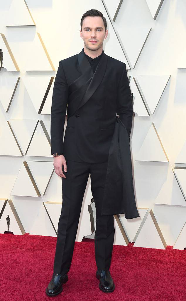 Nicholas Hoult-Oscars-red carpet-style-2019