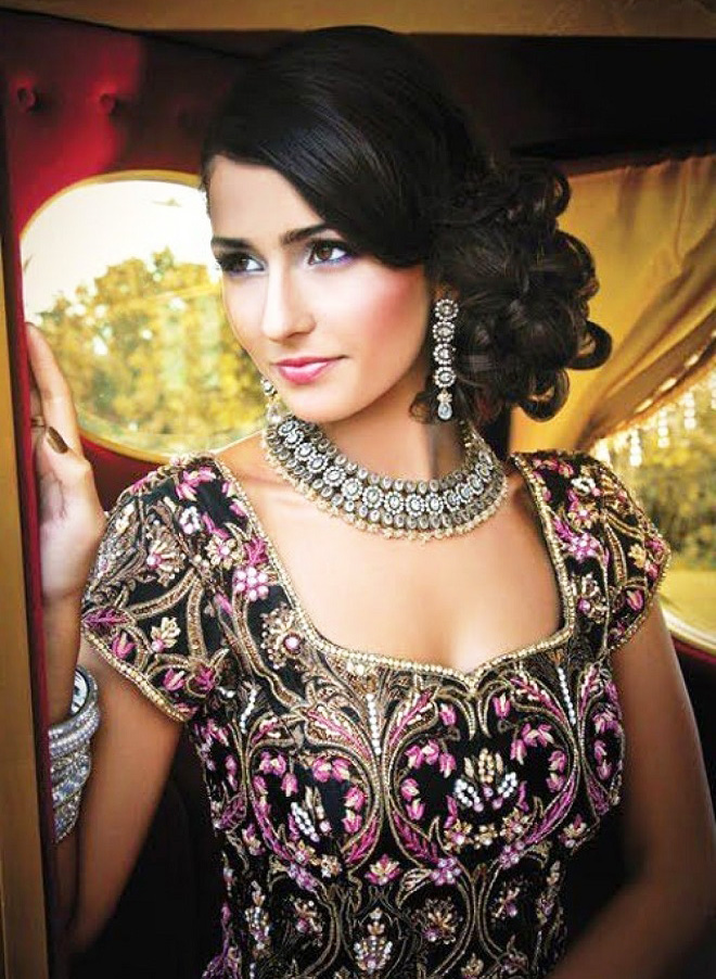 Five Festive Hairstyles For A Head Turning Diwali Circlemag